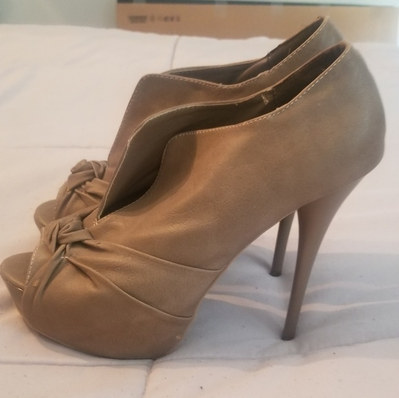 Body Central Shoes - Heels